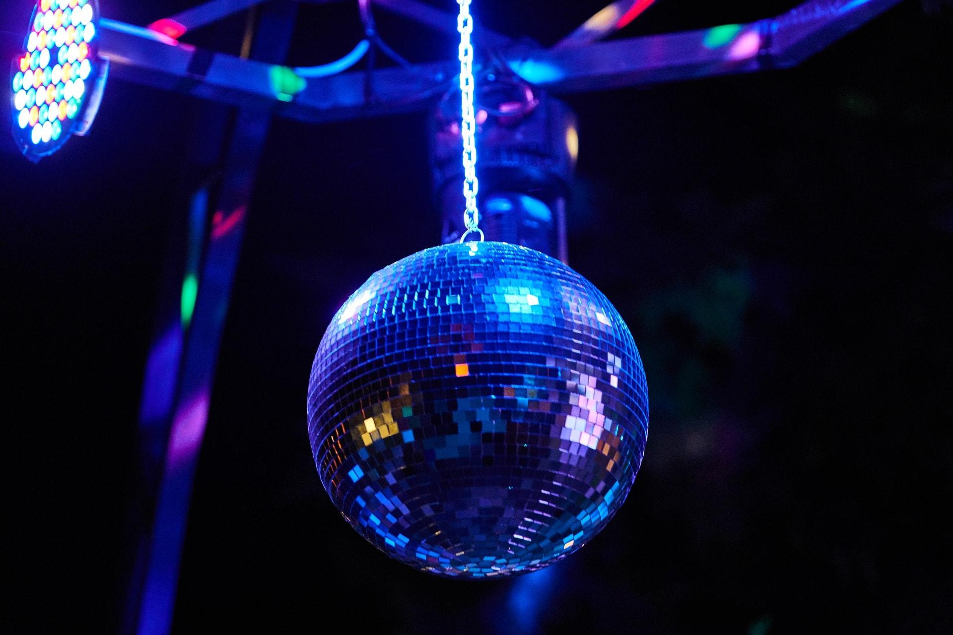 omnislots_danceparty